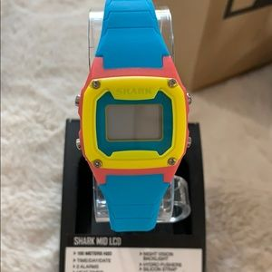 NWT Freestyle Shark Classic Mid watches